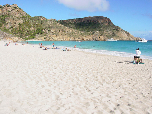St Barts Beach :: American Visitors Clean Up Grand Fond Beach